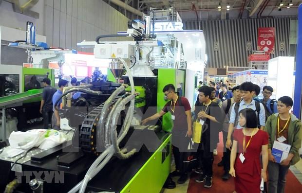 Inauguran Exposicion internacional de industrias del plastico y del caucho en Vietnam hinh anh 1