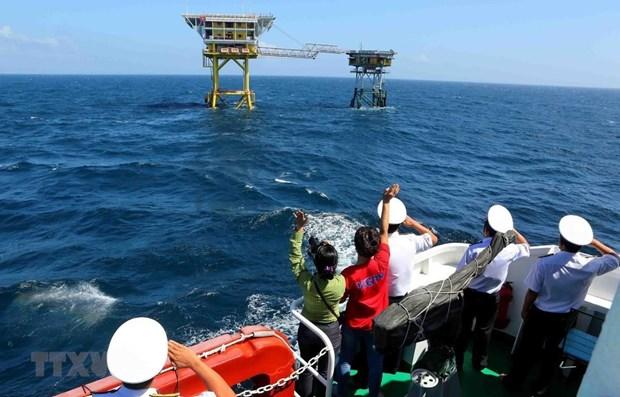 Pide periodico japones a China para poner fin de sus violaciones en Mar del Este hinh anh 1