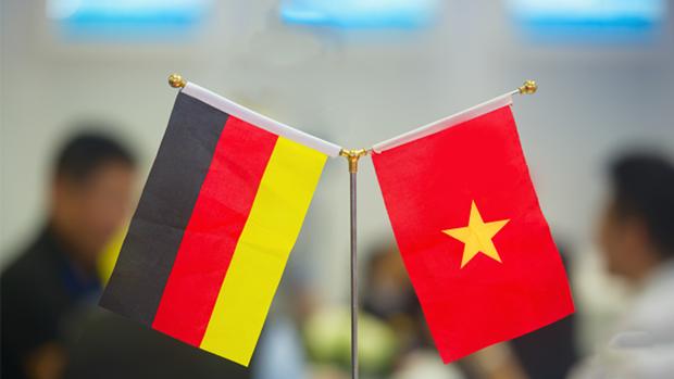 Felicita Vietnam a Alemania por su Dia Nacional hinh anh 1