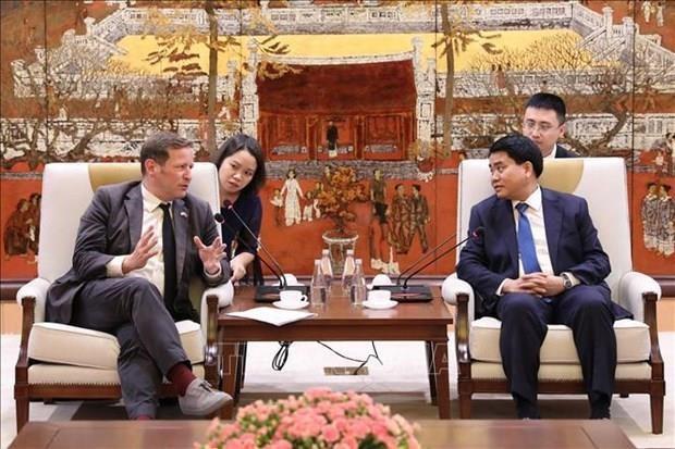 Aboga Hanoi por incrementar lazos con el Reino Unido en ensenanza del idioma ingles hinh anh 1