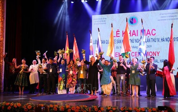 Inauguran en Hanoi IV Festival Internacional de Artes Escenicas hinh anh 1
