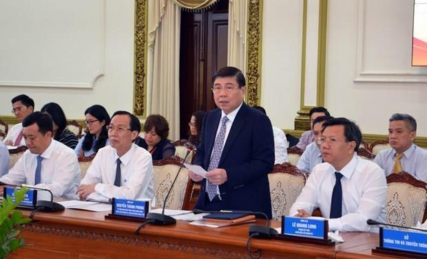Instan a nuevos embajadores vietnamitas a contribuir al desarrollo de Ciudad Ho Chi Minh hinh anh 1