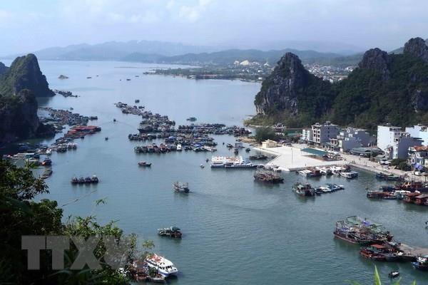 Distrito Van Don en Vietnam, atractivo destino de turismo marino hinh anh 1