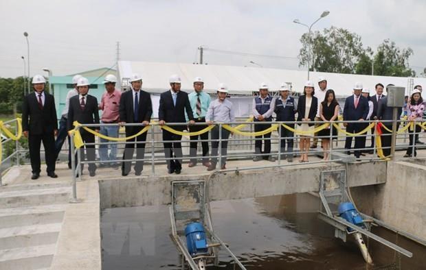 Inauguran planta de tratamiento de aguas residuales en ciudad vietnamita de Long Xuyen hinh anh 1