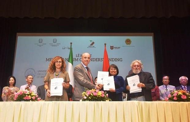 Celebran Vietnam e Italia Foro de Educacion Universitaria hinh anh 1