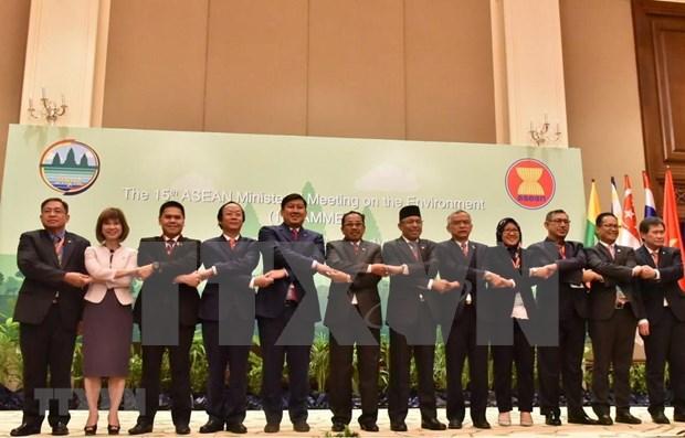 Paises de la ASEAN por reforzar lucha contra contaminacion del mar y aire hinh anh 1