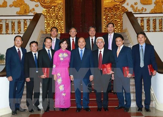 Dirigentes vietnamitas exigen a embajadores en el extranjero aportar al desarrollo nacional hinh anh 1