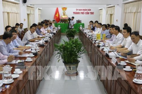 Exhortan a ciudad vietnamita a abrir mas vuelos internacionales para atraer inversiones hinh anh 1