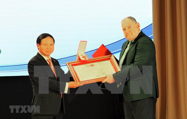 Vietnam condecora a Universidad Estatal Pyatigorsk de Rusia con Orden de Amistad hinh anh 1