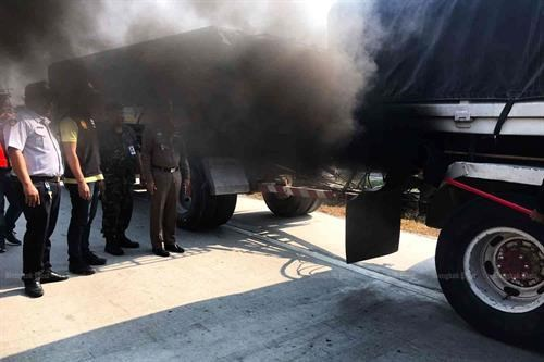 Presenta Tailandia medidas para reducir emisiones contaminantes de los vehiculos hinh anh 1