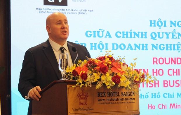 Dialogan autoridades de Ciudad Ho Chi Minh con empresarios britanicos hinh anh 1