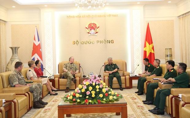 Robustecen nexos entre Vietnam y Reino Unido en defensa hinh anh 1