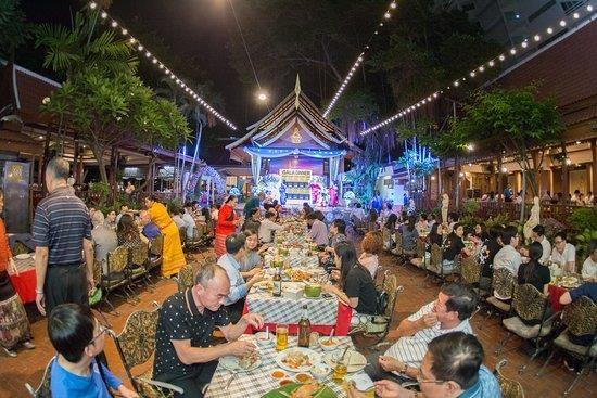 Planea Tailandia apoyar negocios para aumentar ingresos del pais hinh anh 1
