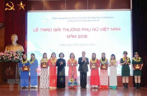 Celebran en Hanoi diversas actividades en ocasion del Dia Nacional de la Mujer hinh anh 1
