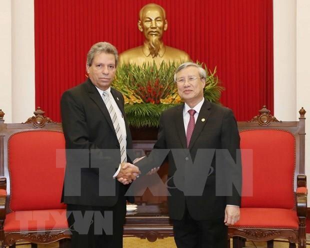 Vietnam hara todo lo posible para cimentar los lazos con Cuba hinh anh 1