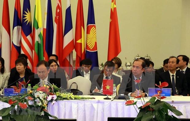 Reunen altos funcionarios de ASEAN y China para implementacion del DOC hinh anh 1