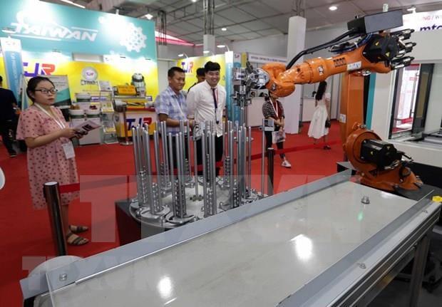 Inauguran en Hanoi exposicion sobre industria de ingenieria mecanica hinh anh 1