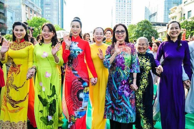 Conmemoran en Laos fundacion de Union de Mujeres de Vietnam hinh anh 1