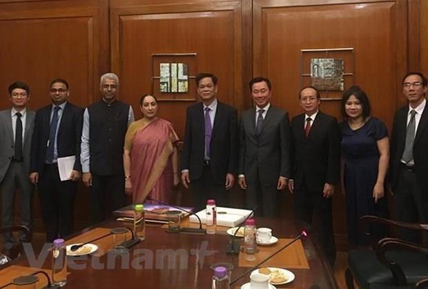 Fortalecen Vietnam y la India vinculos politicos hinh anh 1