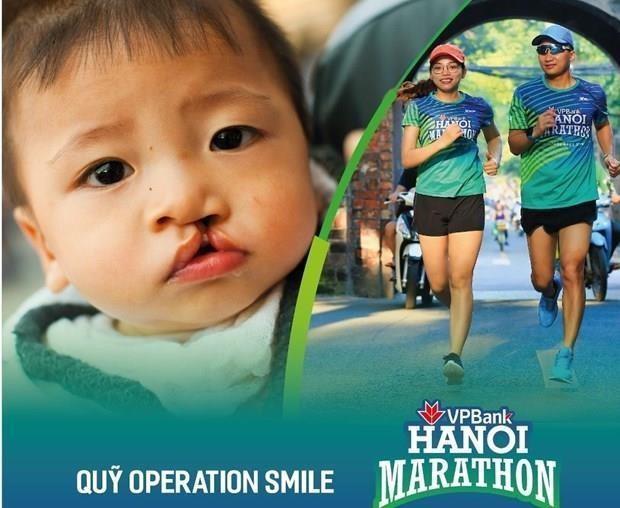 Participan mas de siete mil competidores en maraton VPBank Hanoi hinh anh 1