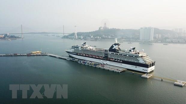 Recibe la ciudad de Ha Long 7,9 millones de visitantes en nueve meses hinh anh 1