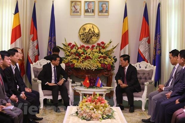 Exploran potencialidades turisticas entre localidades de Vietnam y Camboya hinh anh 1