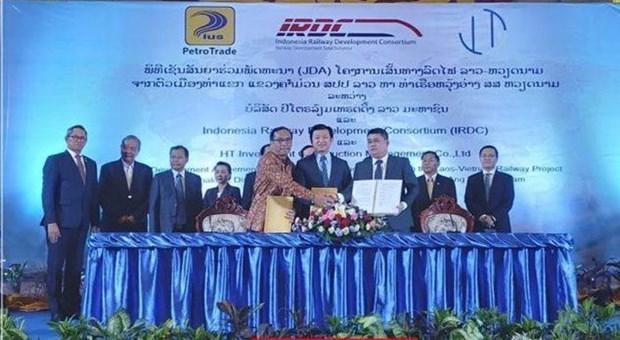 Construira empresa indonesia linea de ferrocarril que conectara a Laos y Vietnam hinh anh 1