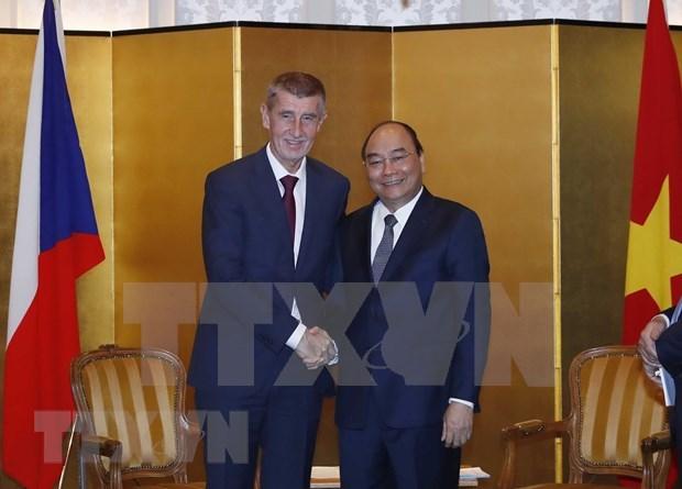 Vietnam busca fomentar lazos con Republica Checa, Bulgaria y Albania hinh anh 1