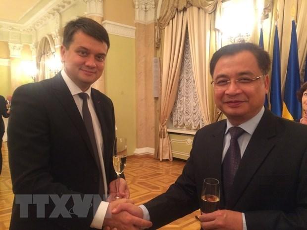 Fortalecen relaciones las Asambleas Nacionales de Vietnam y Ucrania hinh anh 1