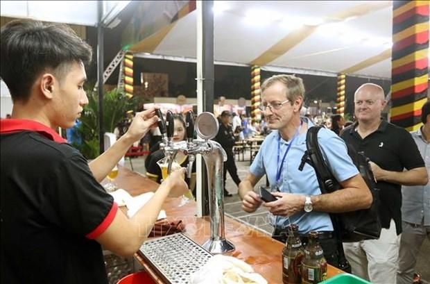 Presentan en ciudad vietnamita cultura cervecera de Belgica hinh anh 1