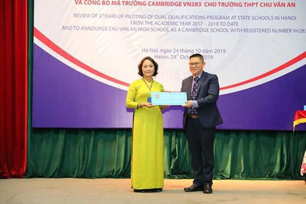 Primera escuela publica de Vietnam integrada en el sistema de Cambridge hinh anh 1