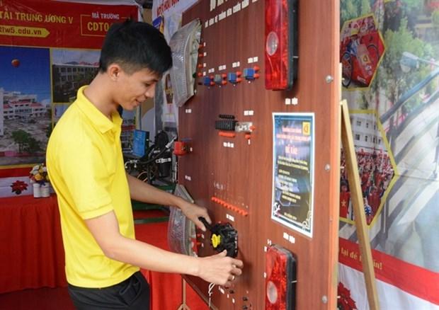 Celebran en ciudad vietnamita actividad para promover el espiritu emprendedor hinh anh 1