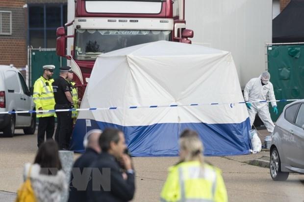 Puede demorar la identificacion de los 39 cadaveres hallados en un contenedor en Reino Unido hinh anh 1