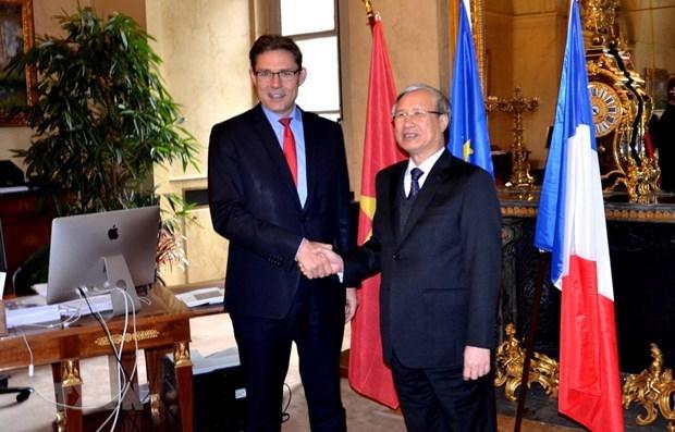 Refuerzan Vietnam y Francia sus nexos de amistad hinh anh 1