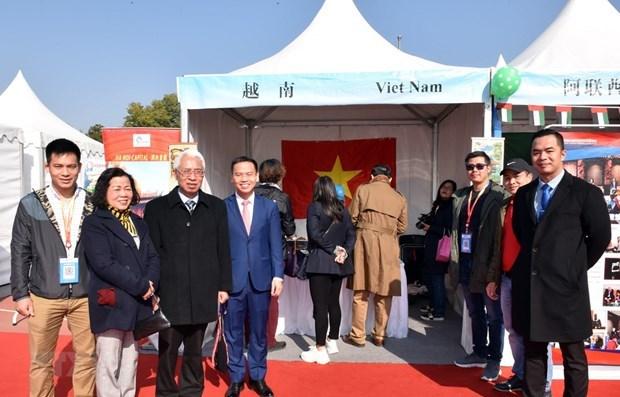 Sobresale presentacion de Vietnam en feria internacional caritativa en China hinh anh 1