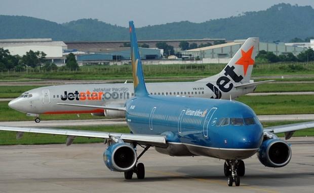 Reprograman aerolineas vietnamitas vuelos nacionales por tifon Matmo hinh anh 1