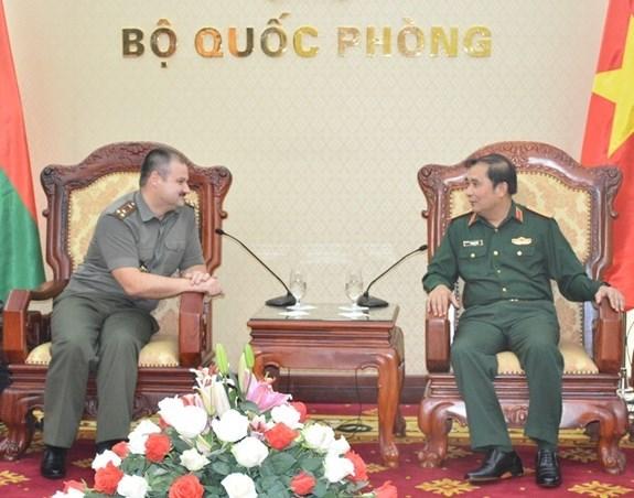 Impulsan Vietnam y Beralus lazos en defensa hinh anh 1