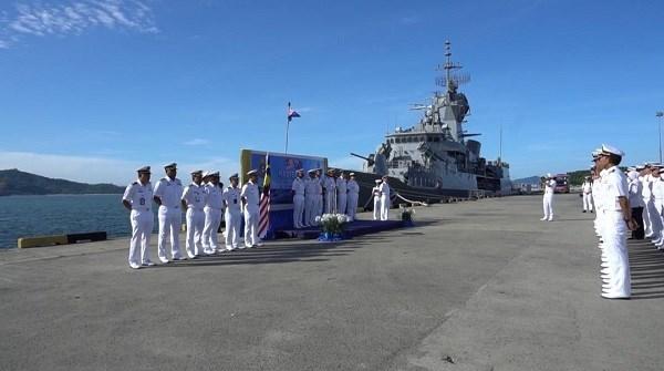 Realizan Malasia y Australia maniobras navales conjuntas hinh anh 1