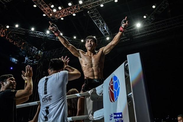 Competira luchador vietnamita en torneo de boxeo tailandes en Singapur hinh anh 1