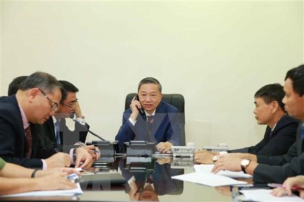 Vietnam mantiene cooperacion para identificar a victimas de tragedia en Reino Unido hinh anh 1