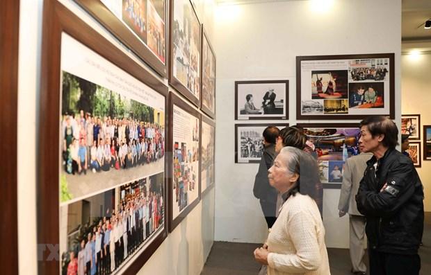 Exposicion fotografica sobre Rusia en Vietnam busca destacar lazos bilaterales hinh anh 1