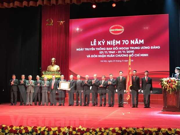 Honran contribuciones de Comision de Relaciones Exteriores del Partido Comunista de Vietnam hinh anh 1