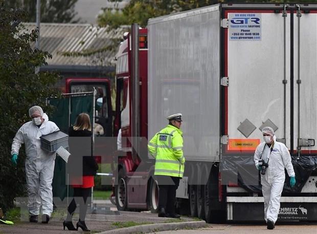 Promete embajador del Reino Unido en Vietnam proteger dignidad de victimas de tragedia en Essex hinh anh 1