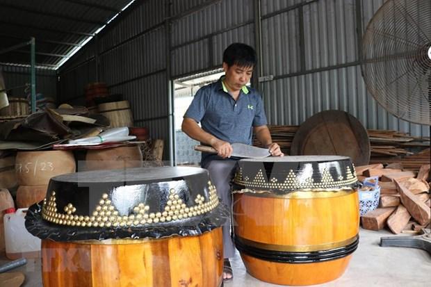 Preservan oficio de fabricacion de tambores en la aldea vietnamita de Binh An hinh anh 1
