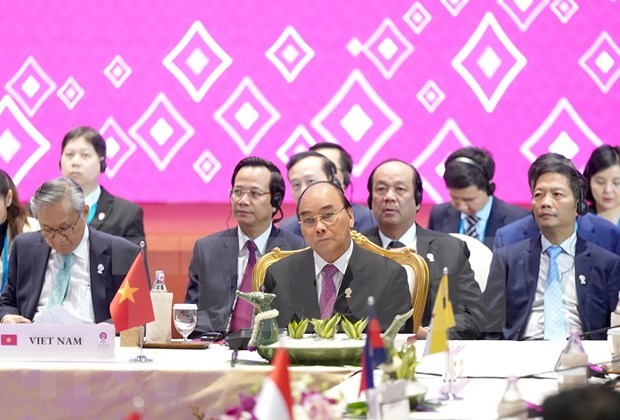 Concluye primer ministro vietnamita participacion en XXXV Cumbre de ASEAN hinh anh 1