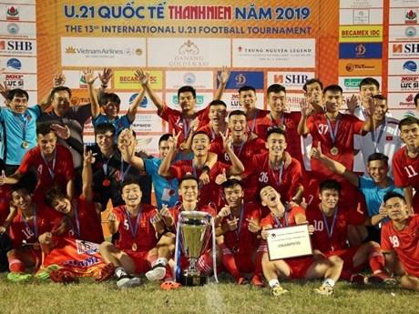 Vietnam se corona en Campeonato Internacional de Futbol Sub21 del periodico Thanh Nien hinh anh 1