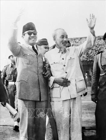 Conmemoran Aniversario 60 de la primera visita del Presidente Ho Chi Minh a Indonesia hinh anh 1