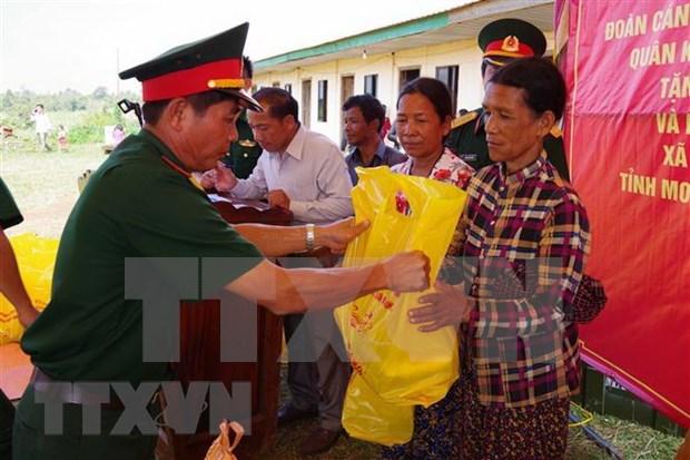 Fortalecen vinculos provincias fronterizas de Vietnam y Camboya hinh anh 1