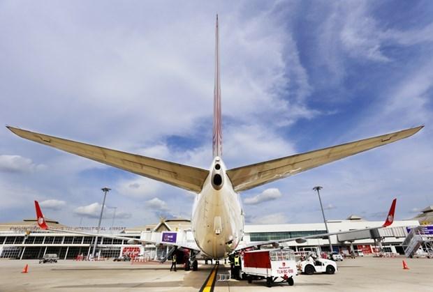 Tailandia cancela cientos de vuelos durante el festival Loy Krathong hinh anh 1