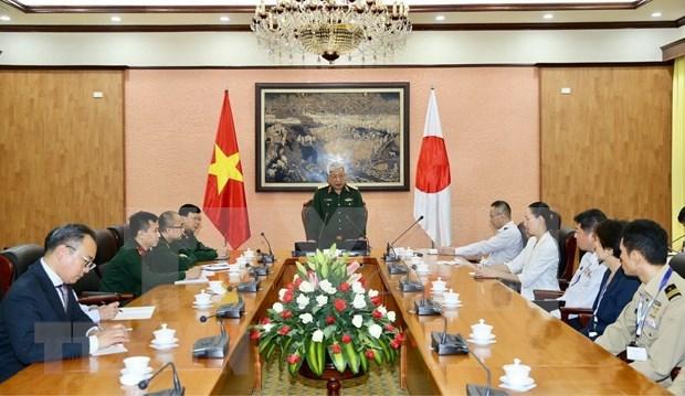 Fortalecen nexos entre Vietnam y Japon en defensa hinh anh 1